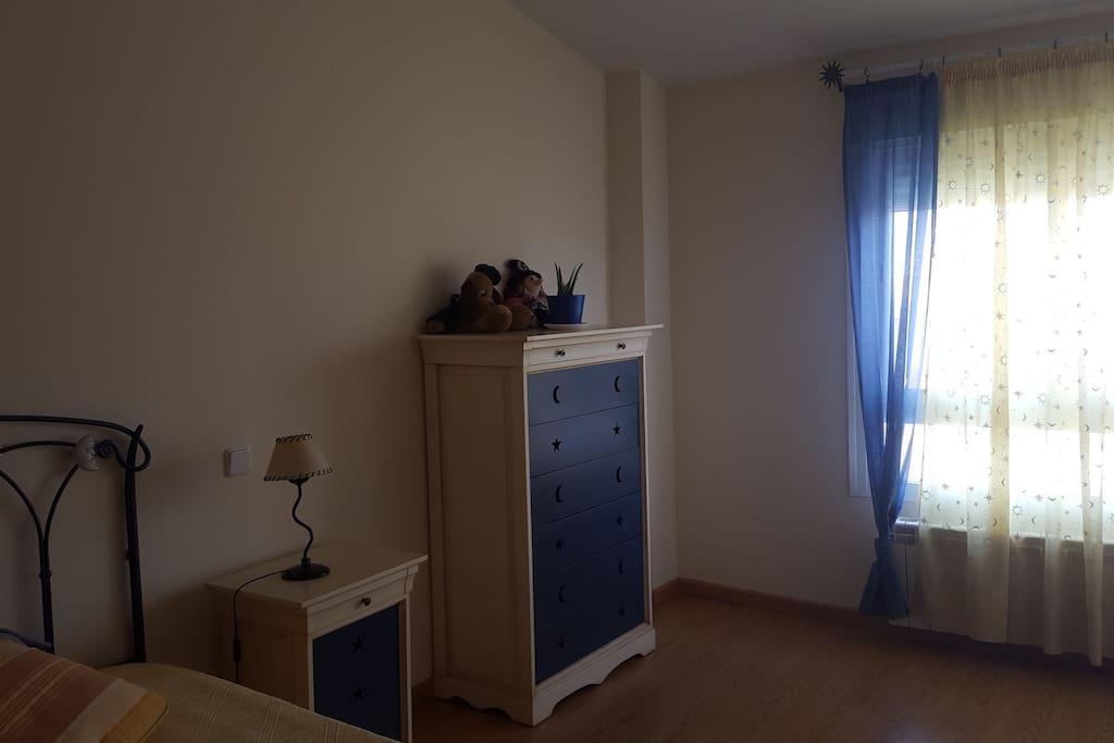 habitacion privada con cama de 1m 05