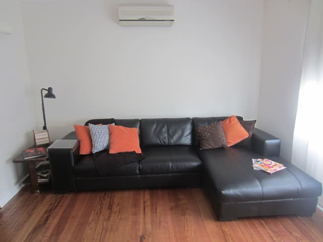 Comfortable and quiet 2Brm Villa!