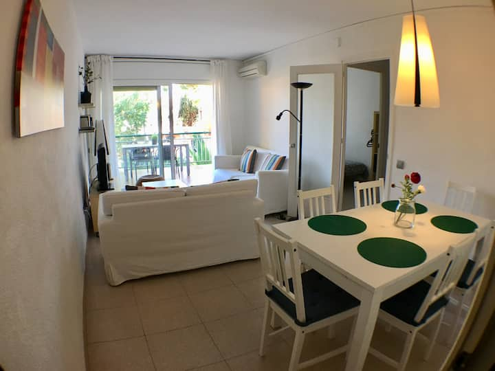 Fabulous place! Hundred meters from the Mediterranean Sea!! vilanovaapartments