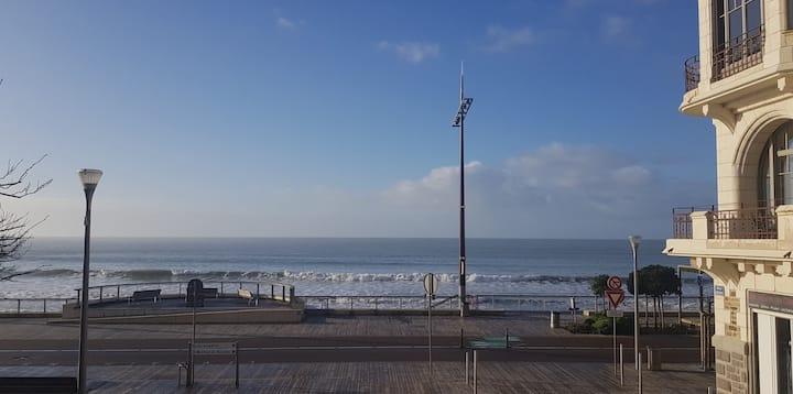 Appart 110 M2, 3 ch, 6 pers, grande plage à 200m
