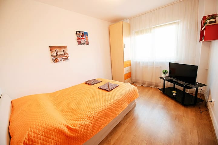 Ela apartment – bedroom Monica3