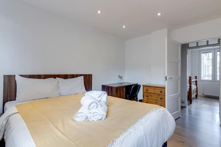 Spacious 2-Bed with Balcony in Little Venice, close to Hyde Park & Regent's Park