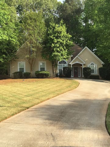 Cool & Quiet in Fayetteville, GA - Fayetteville - House