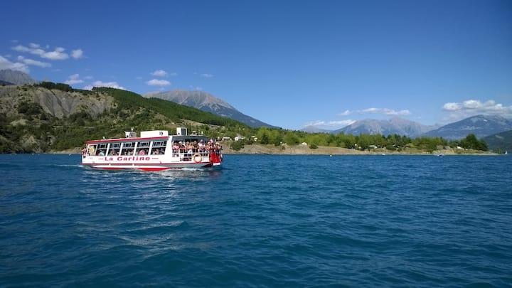 Mobilhome  6 places dans les Alpes entre 2 Lacs