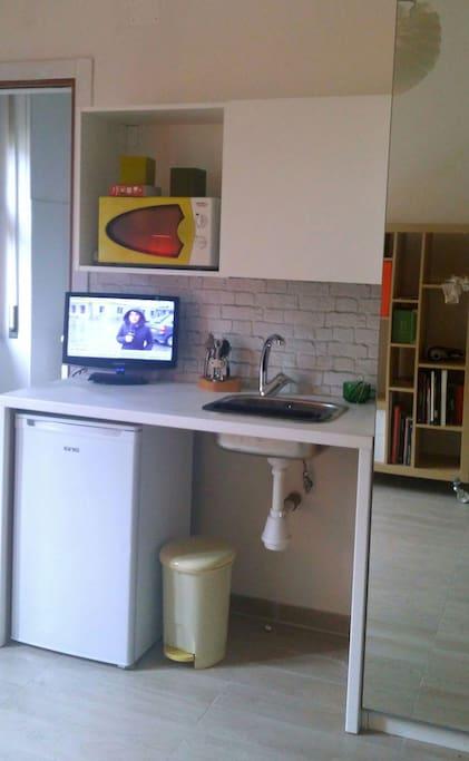 Monolocale centrale binariouno b b appartamenti in for Monolocale arredato salerno