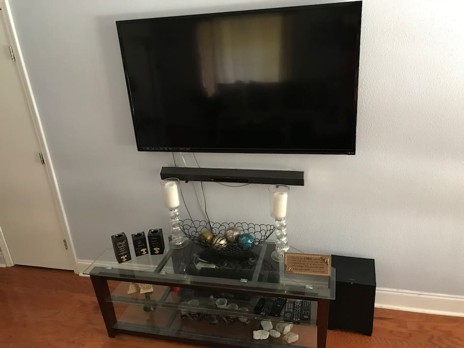 Living room w/ Netflix and fire stick; Bluetooth speaker