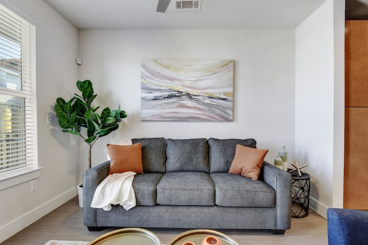 Soft pull out queen-sized sofa