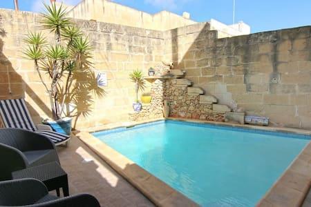 'Lisa's Farmhouse', Kercem, island of Gozo/Malta - Kerċem