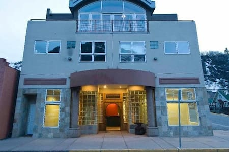 Two Bed Furnished Condo in Minturn - Minturn - Appartement