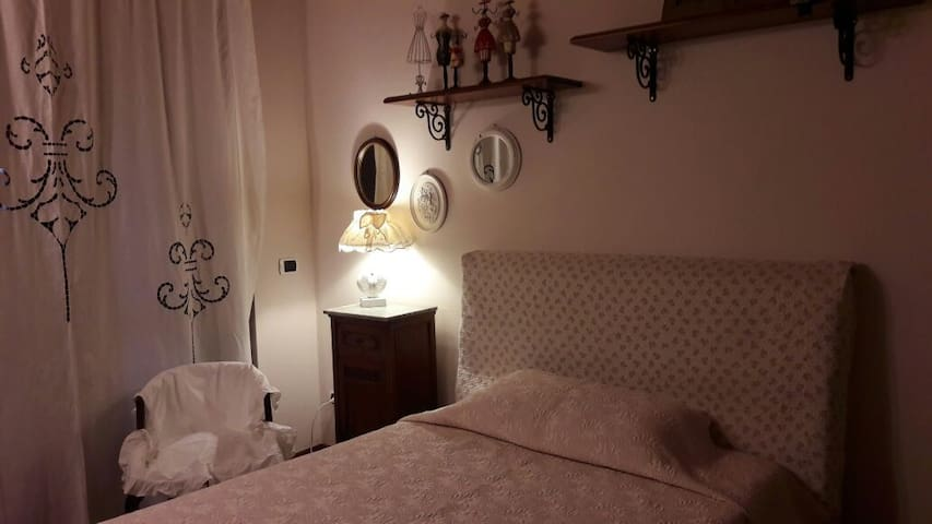 B&b con giardino elegante e spazioso - Travedona-monate - Bed & Breakfast