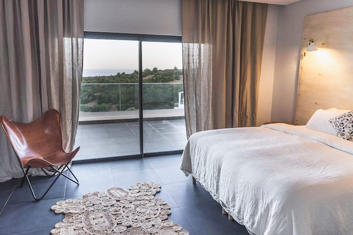 Casa Tropical Algarve - seaview ensuite room (03)