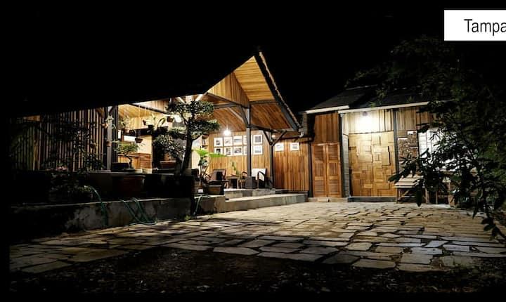 saung udhe