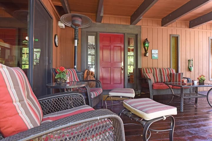Bearing Ranch- Dog Friendly- Private Beach - Walk to Tahoe City