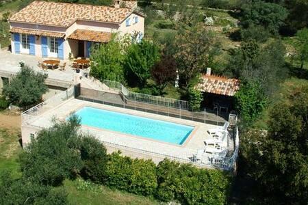 villa a flanc de colline, - Carnoules