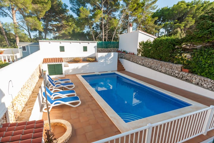 """Apartment """"Xaloc"""" close to the Beach with Pool, Wi-Fi, A/C, Terrace & Garden; Parking Available"""