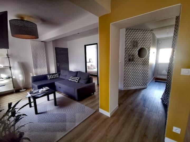 Appartement Rénové, 2 pas du lac, tout confort.