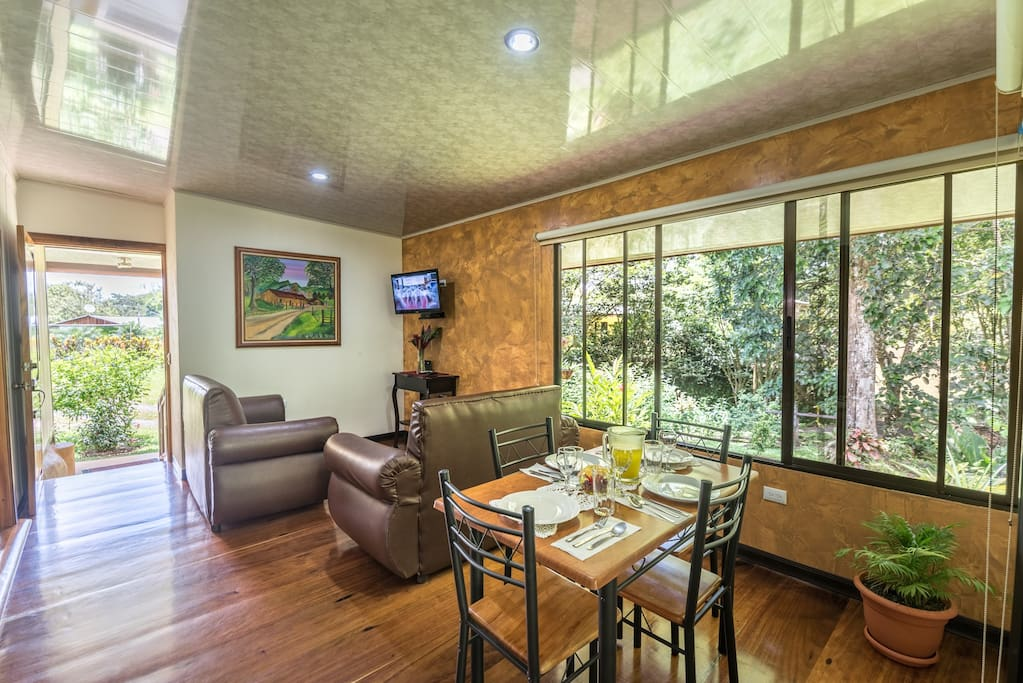 Living and dinning room: WIFI & Cable TV