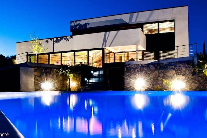 Villa d'architecte avec piscine. Provence Lubéron