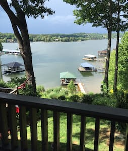 Lake Front Retreat & Water Sports - Hickory - Wohnung