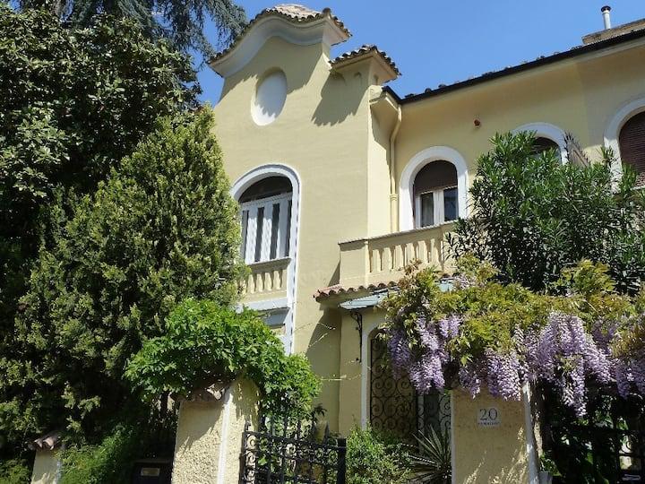 Luxury Villa Liberty à côté de la Villa Borghese,