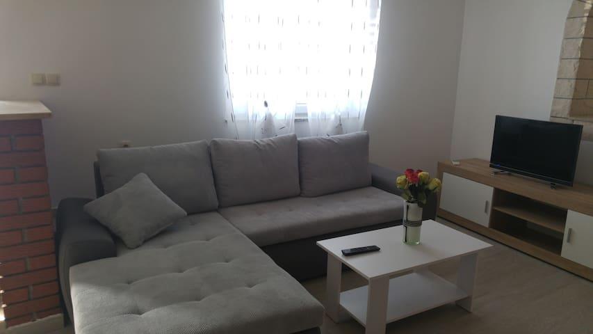 Nice Studio apartment,sea view(Apartments Suza)