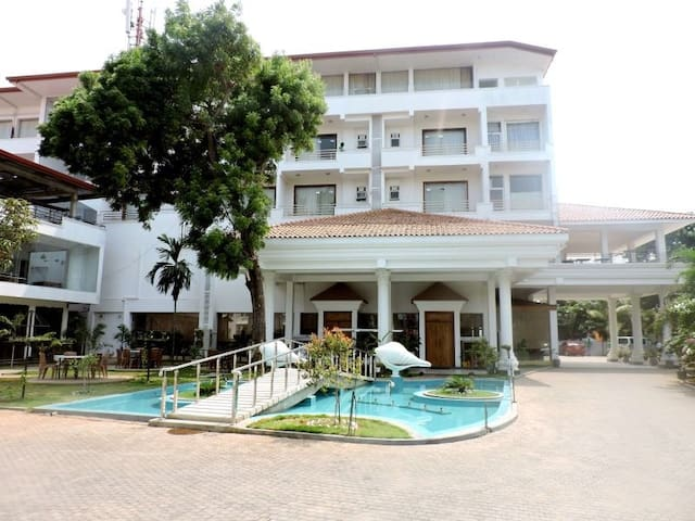 The Valampuri hotel - Jaffna - Hotel butique