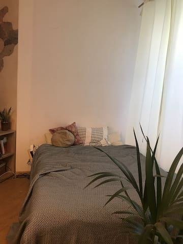 1Room, 2People, Prenzlauer Berg, 90m2 Appartement