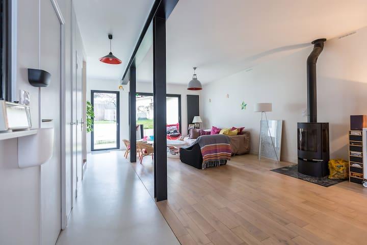House style loft near of Paris (5 min of metro) - Montreuil - Huis