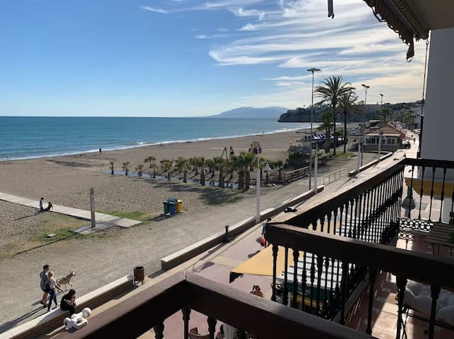 Charming Holiday Apartment Casa Alejandro Rincón next to the Beach with Sea View, Air Conditioning & Wi-Fi