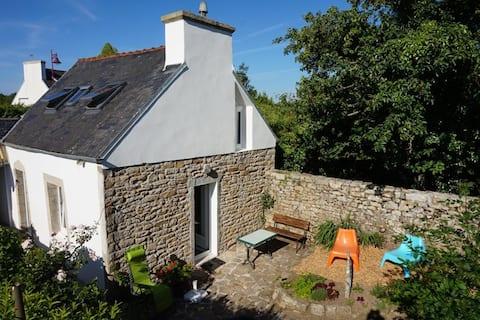 Ty Marjan petite maison bretonne typique Finistère