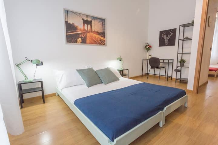 Sweet 2 bedrooms home in Milan center