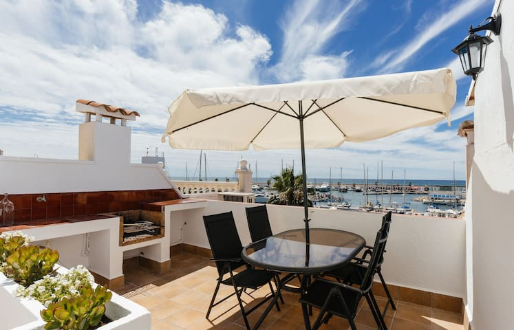 ZEUS-WATERFRONT-TERRACE WITH VIEWS