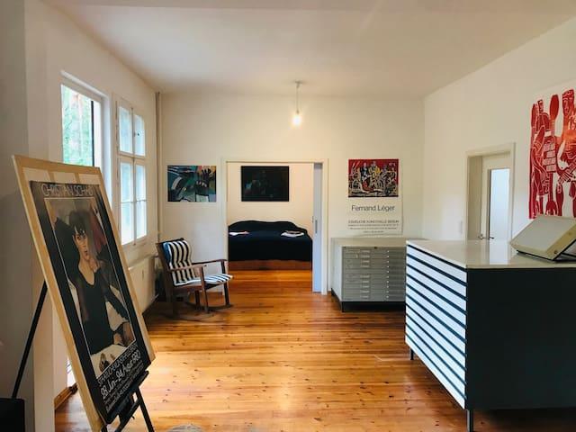 Atelierraum mit Blick auf Schlafzimmer I