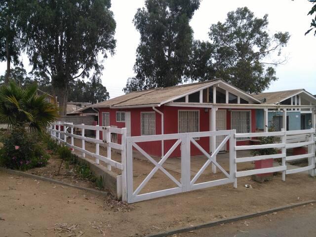 Casa en arriendo en el Quisco sector residencial