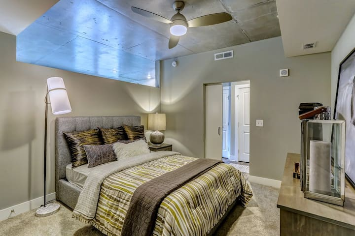 Upscale 1BR Apt w/ hotel-like amenities in Midtown