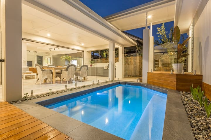 Valparaiso - Full House - Pavilion Style Living