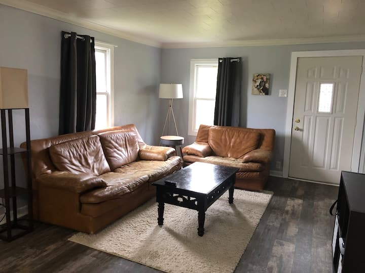 Cute house in Sheboygan Falls - Long stays welcome