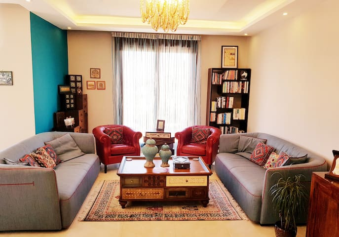 Luxury 3 bedrooms flat with great view of Amman