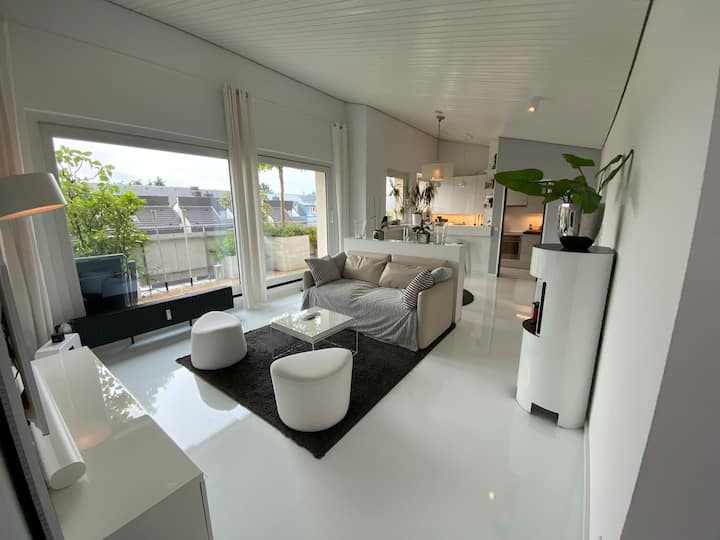 """Penthouse """"Pure White"""" am Benrather Schloss"""
