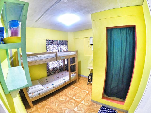 Backpackers room in Downtown Davao