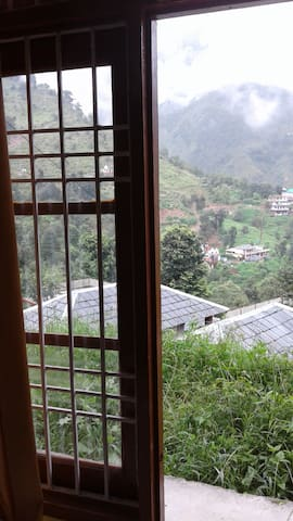 ANANDAM HOUSE / GARDEN VIEW ROOM / PET FRIENDLY