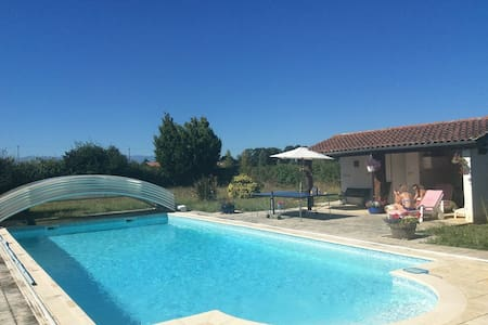 Large Country House with Pool & Pyrenees views - Hachan