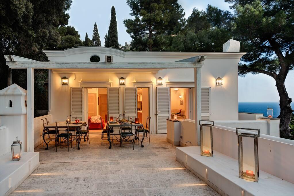 Villa bouganvillea luxury capri villa with views for Villas in capri