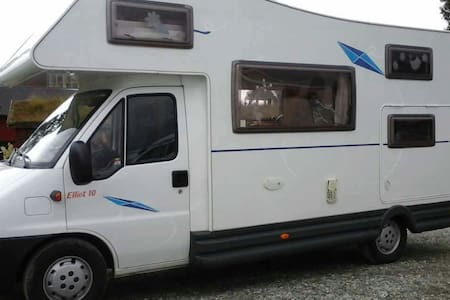 Stationary camper van,beds availab. - Stranda