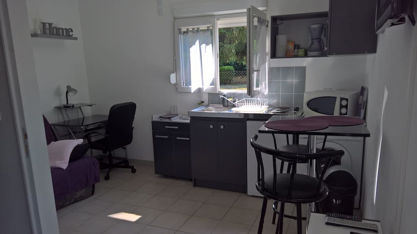 studio cosy and equipped near Aix en Provence