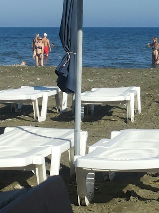 Beach  750 meters from the villa