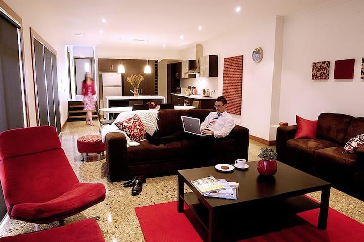 Abode Bendigo Metropolis Red Apart