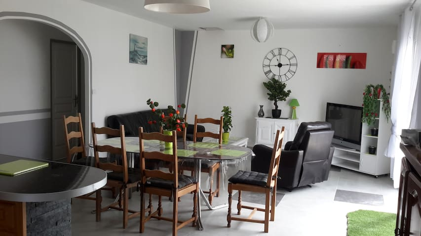 Maison T4 plein pied, 3 chambres, jardin 200m2