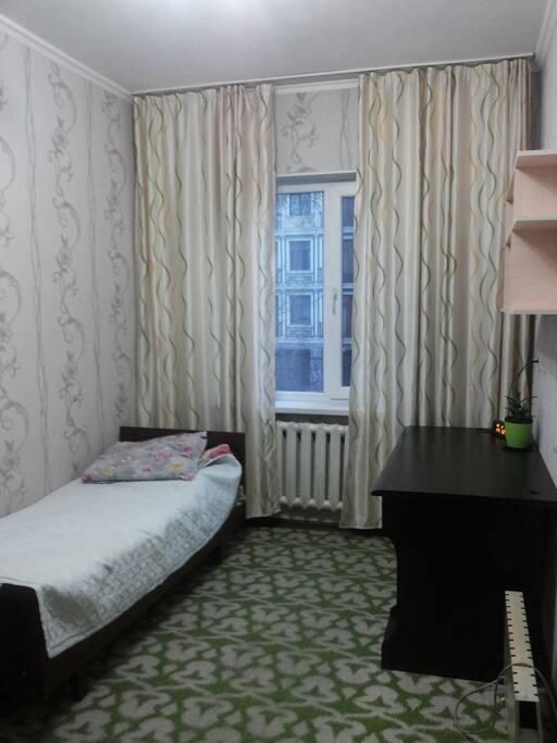 Кровать, полка, журнальный стол, шкаф, коврик
