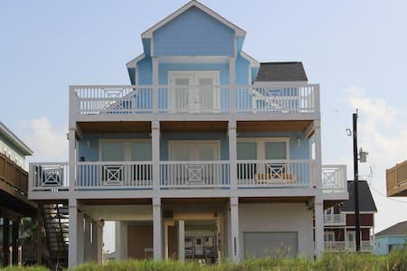 Beach Front House with Amazing Views - Freeport